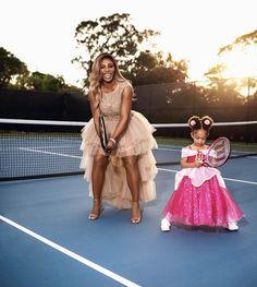 Serena Williams Alexis, Serena Williams Wedding, Fresh Makeup Look, Pose For The Camera, Tennis Stars, Girl Standing, Family Affair, Celebs, Celebrities