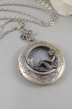 SALE Siren's CallMermaid NecklaceMermaid by ValleyGirlDesigns
