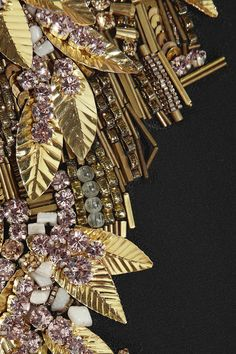 Embroidery designs fashion embellishments alexander mcqueen 48 new Ideas Tambour Embroidery, Couture Embroidery, Hand Embroidery, Embroidery Designs, Leather Embroidery, Embroidery Works, Couture Details, Fashion Details, Look Fashion