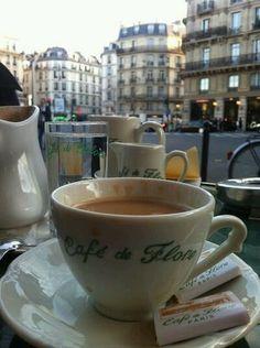 Coffee Break in Paris - Ana Rosa