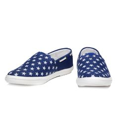 Shoes Hut Blue Synthetic Leather Slip-On Casual Shoes Blue Loafers, Printed Shoes, Loafers Online, Buy Shoes, Leather Slip Ons, Casual Shoes, Sneakers, Stuff To Buy, Shopping