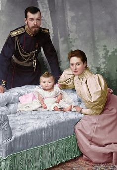 Bringing black and white pictures to life Familia Romanov, Korea Dress, Grand Duchess Olga, Alexandra Feodorovna, Black And White Pictures, Fashion Art, Russia, Royalty, Bring It On