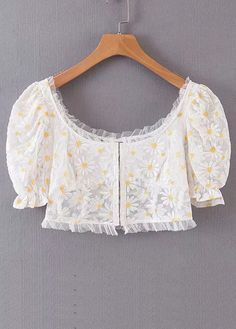 Crop Top in White Floral Blouse Designs High Neck, Fancy Blouse Designs, Designs For Dresses, Stylish Blouse Design, Designer Blouse Patterns, White Crop Tops, White Blouses, Cotton Blouses, Drape Sarees