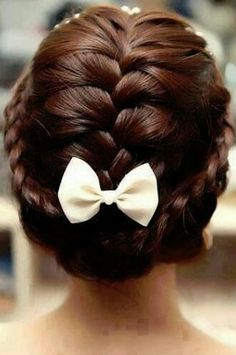 sweet braided updo for short hair! Looks like the stylist divided the hair into three sections, french braided the middle, made a lace braid on both sides, tucked all the ends inside and hid it with a bow clip. Nice for bridesmaids with short hair! Pretty Hairstyles, Girl Hairstyles, Braided Hairstyles, Wedding Hairstyles, Amazing Hairstyles, Summer Hairstyles, Updo Hairstyle, Unique Hairstyles, Latest Hairstyles