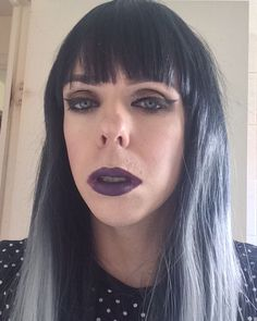 Did this makeup with a black wig from @lush_wigs don't know if I suit really dark hair #bbloggers #wig #lushwigs #ombrehair #ombrewigs