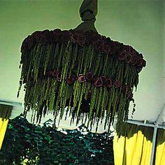 stunning amaranthus floral chandelier Seating Arrangement Wedding, Creative Flower Arrangements, Seating Plan Wedding, Wedding Flower Arrangements, Yellow Wedding Flowers, Wedding Table Flowers, Wedding Table Settings, Autumn Inspiration, Design Inspiration