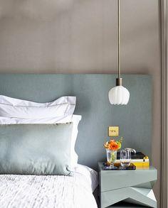 Detalhes de charme nos quartos: pendentes ao lado da cama