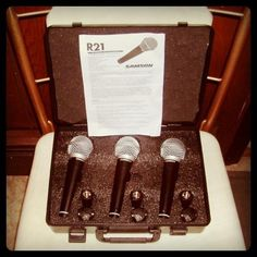 Samson R21 dynamic cardioid vocal microphone