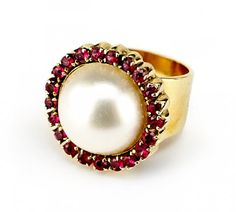 A Mabe Pearl, Ruby and 14 Karat Yellow Gold Ring. Lot 165-7319