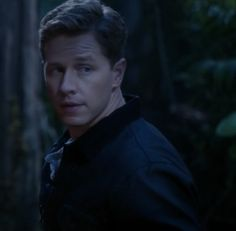 Josh Dallas On Charming's Secret Injury & His Potential For A Bromance With Hook: http://www.accesshollywood.com/once-upon-a-time-josh-dallas-on-charmings-secret-injury-and-his-potential-for-a-bromance-with-hook_article_85196