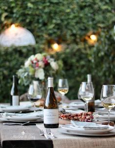 Tips for hosting an Easy but Elegant Grilling Night this Summer! Summer grilling party---> #maisondecinq grilling summergrilling grillingparty summerbbq bbq summerparty summerentertaining diningalfresco summertable tablescape tablesetting bbqrecipes summerrecipes grillingrecipes wine summerentertainingideas #chalkhillestate sonomacountywines californiawines Small House Decorating, Decorating Tips, Summer Decorating, Summer Porch, Beautiful Baby Shower, Summer Flowers, Summer Wreath, Spring, Entertaining