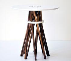 White Bundle Table :}