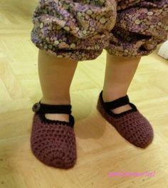 virkatut tossut - crochet slippers