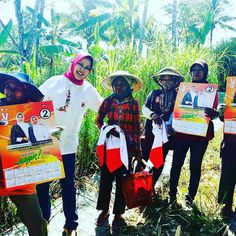 Selamat pagi :-) Mari awali hari dengan senyum dan semangat  #MalangAnyar  #Malang #dewantirumpoko #exploremalang #kehidupandesa #desa #petani #smile #semangatpagi #pilkada2015 #pilkada #pilkadamalang2015 #blusukan #pemimpinperempuan #smartwoman #egaliter #membumi #indonesiapagi #indonesiapagihari