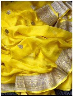 Pakistani Fashion Casual, Elegant Fashion Wear, Indian Fashion, Indian Silk Sarees, Indian Beauty Saree, Pure Georgette Sarees, Organza Saree, Chiffon Saree, Banaras Sarees