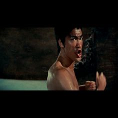 Martial Arts Movies, Martial Artists, Chuck Norris, Bruce Lee Pictures, Jumanji Movie, Bruce Lee Martial Arts, Bruce Lee Quotes, Wow Video, Martial Arts Workout