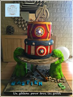 Avengers Birthday Cake  Torta de Avengers Gâteau Avengers