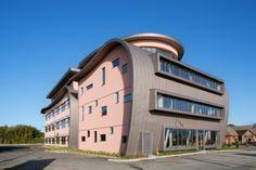 Office building in Drinagh, Wexford (Ireland) by Stephen Carr Architects  Copyright : Paul Kozlowski Entreprise : Robert Copeland & Sons  #Architecture #OfficeBuilding #Zinc #VMZINC #Ireland #Façade #QuartzZinc #PIGMENTO #Project #StandingSeam