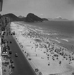 Copacabana Beach - the source says 1940 and if so, it pretty much stay unchanged thru the 50's and early 60's. Note one the memorable Lifeguard Posts a little above midleft of the photo.