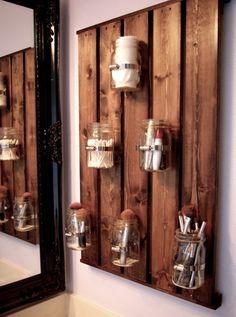 20 Decorative Mason Jar Crafts - Yes Missy! 20 Decorative Mason Jar Crafts - Yes Missy! 20 creative mason jar crafts to decorate your home. Mason Jar Storage, Mason Jar Diy, Mason Jar Bathroom, Rustic Mason Jars, Diy Casa, Ball Jars, Bathroom Storage, Pallet Bathroom, Wall Storage