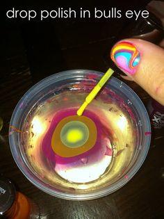 Heel leuk om zo je nagels te kleuren! wel een klieder boeltje!