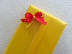 DIY Ribbon Bow Present Topper