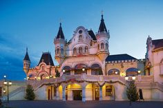 Efteling Theater in Holland puts on beautiful musicals