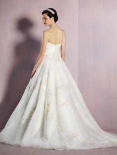 831421427f0 Disney Bridal Gowns - Sugar and Spice UK Lincoln - Snow White 2016   snowwhite