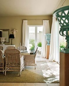The perfect dining room,,,,,casual and comfy!