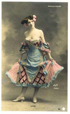 Moulin Rouge Dancers, Moulin Rouge Paris, Le Moulin, Moulin Rouge Outfits, Belle Epoque, Vintage Photographs, Vintage Images, Moulin France, Old Pictures