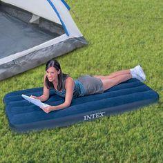 MATELAS GONFLABLE 1 PERSONNE  Ce fabuleux matelas gonflable 1 personne vous sera particulièrement utile, puisqu'il s'adaptera à vos besoins et à votre environnement.