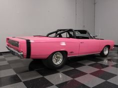 1968-Plymouth-GTX-Convertible-pink-pro-street-3