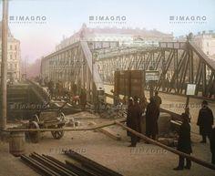 Die 1871/72 errichtete Brigittabrücke verbindet den IX. und XX. Wiener Bezirk. 1926 wurde sie in Friedensbrücke umbenannt. Wien. Handkoloriertes Glasdiapositiv. Um 1920. Hungary, Vienna, Austria, New York Skyline, Past, Old Things, Louvre, 1920, History