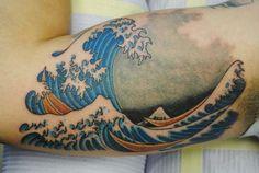 10 Beautiful Japanese Wave Tattoos