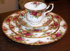 1962 Royal Albert Old Country Roses ~my most favorite china pattern ever!