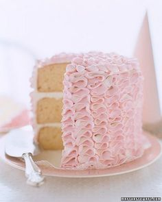 I adore the ribbon decoration on this cake! Simply adorable.