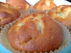 Perfect voor de zomer: fruitige muffins, knapperig van buiten, zacht en luchtig van binnen!