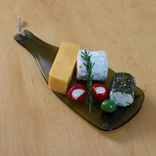 Cheese on Wine #dinnerparties #upcycling #tableware