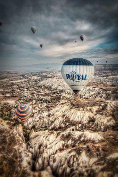 A hot air balloon ride over the fairy chimneys of Cappadocia >>>Take me away!