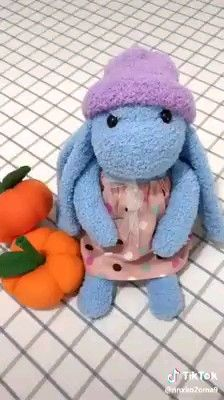 Coelhinho de meia fácil passo a passo easy towel rabbit step by step, Diy Abschnitt, Diy Sock Toys, Sock Crafts, Bunny Crafts, Diy Crafts For Gifts, Easy Valentine Crafts, Glitter Crafts, Diy Bebe, Sock Dolls, Stuffed Animal Patterns