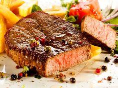 Steak mit Pommes Frites  Nach dem gestrigen V-Day musste es heute Fleisch sein.   http://einfach-schnell-gesund-kochen.de/steak-mit-pommes-frites/