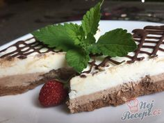 Tiramisu v dortové formě Hungarian Recipes, Hungarian Food, Desert Recipes, Tiramisu, Parfait, Cheesecake, Deserts, Goodies, Frozen
