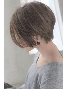 やんわり大人ショート【セミウェット、パーソナルカラー】 - 24時間いつでもWEB予約OK!ヘアスタイル10万点以上掲載!お気に入りの髪型、人気のヘアスタイルを探すならKirei Style[キレイスタイル]で。