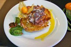 Croustades au foie gras et pommes, sauce aux clémentines corses, vinaigre à la pulpe de mangue