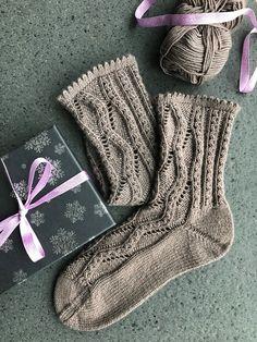 edle Socken aus Meilenweit 50 Cashmere von Lana Grossa gestrickt