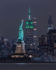 Empire State Building, Central Park, Manhattan, New York Statue, Centre Commercial, Photography Jobs, New York Travel, Online Jobs, Statue Of Liberty