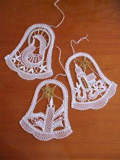 Billedresultat for bobbin lace Natal / Christmas Crochet Snowflake Pattern, Christmas Crochet Patterns, Crochet Snowflakes, Crochet Motif, Crochet Designs, Crochet Lace, Crochet Ornaments, Lace Art, Crochet Christmas Decorations