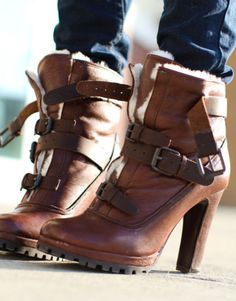 I'm lovin' ankle boots/shoes at the moment Ankle Boots, Heeled Boots, Bootie Boots, Shoe Boots, Shoes Heels, Shoe Bag, Boot Heels, Fall Booties, Flat Boots