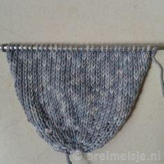 Muis breien - gratis patroon | Breimeisje.nl Knitted Animals, Baby Blocks, Baby Dolls, Knitting, Home Decor, Babies, Smiley, Toy, Carnival