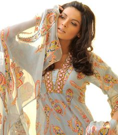 Al - Fahad Ready Made Garments - New Summer Collection - Karachi, Pakistan ~ Ladies Fashion Style Bridal Henna Designs, Eid Outfits, Cotton Salwar Kameez, Only Girl, Winter Dresses, Summer Collection, Mehndi, Designer Dresses, Fashion Dresses